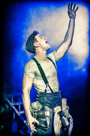 <p>Richard Fleeshman</p><br />© Johan Persson
