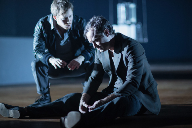 <p>Robert de Hoog and Jude Law in the Toneelgroep&#39&#x3B;s production of <em>Obsession</em> at the Barbican</p><br />© Jan Versweyveld