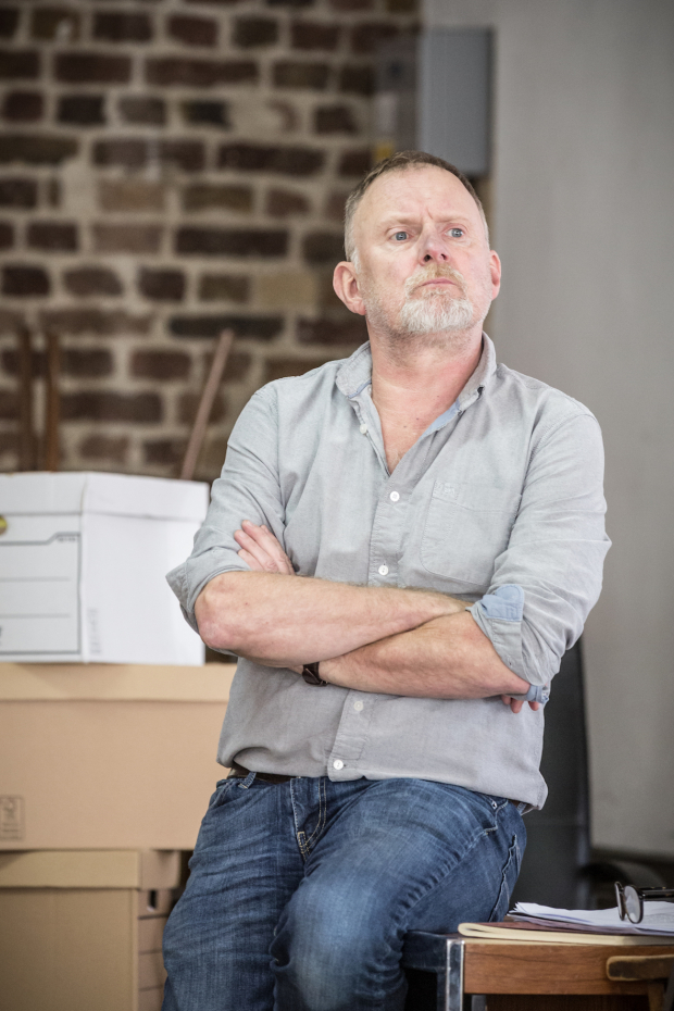 <p>Robert Glenister as Dave Moss</p><br />© Marc Brenner