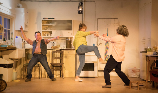 <p>Ron Cook (Robin), Deborah Findlay (Hazel), Francesca Annis (Rose) in <em>The Children</em></p><br />© Johan Persson