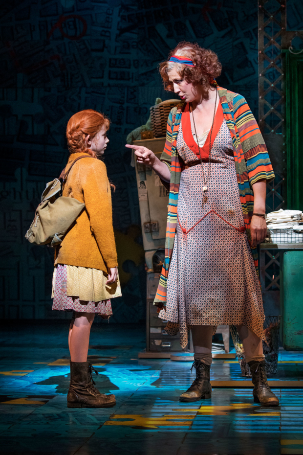<p>Ruby Stokes (Annie) and Miranda Hart (Miss Hannigan) in <em>Annie</em></p><br />© Paul Coltas