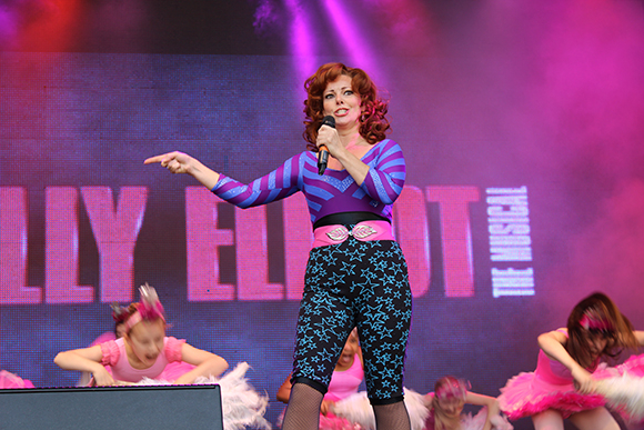 <p>Ruthie Henshall and the cast of <em>Billy Elliot</em></p><br />© Ben Hewis