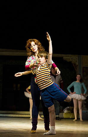 <p>Ruthie Henshall (Mrs Wilkinson) and Matteo Zecca (Billy) in <em>Billy Elliot</em></p><br />© Alastair Muir