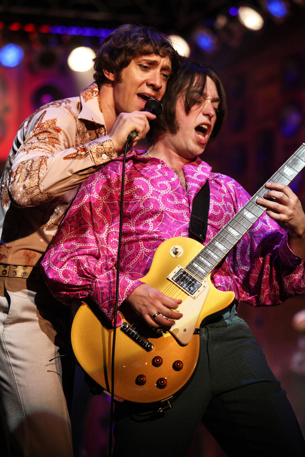 <p>Ryan O&#39&#x3B;Donnell (Ray Davies) and Mark Newnham (Dave Davies)</p><br />© Kevin Cummins