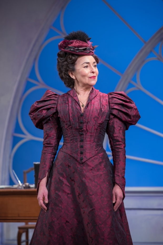 <p>Samantha Spiro in  <em>Lady Windermere&#39&#x3B;s Fan</em> </p><br />© Marc Brenner