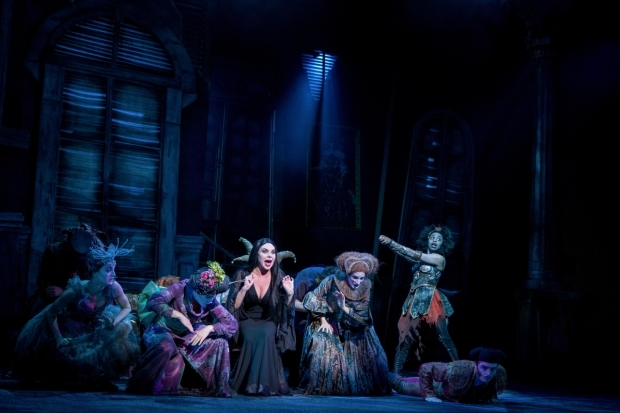 <p>Samantha Womack and the cast of <em>The Addams Family</em></p><br />© Matt Martin