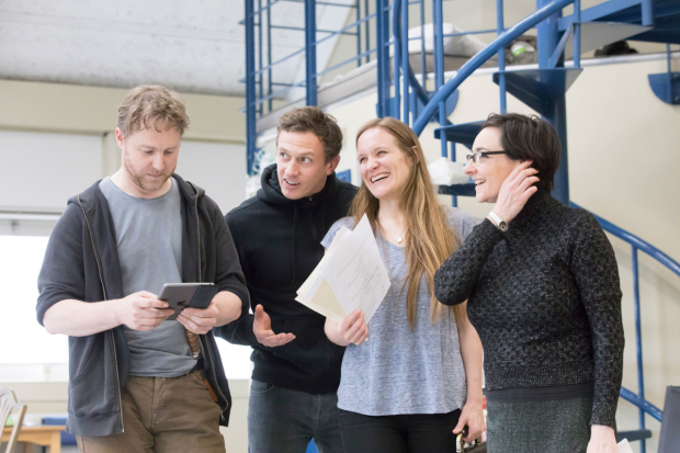 <p>Samuel West, Mark Holgate, Zoe Waites and Pandora Colin in rehearsals for <em>Julius Caesar</em></p><br />© Johan Persson