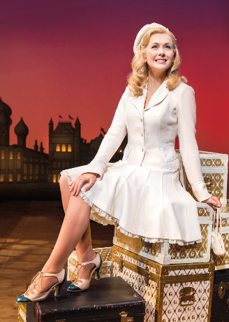 <p>Savannah Stevenson as Glinda</p><br />© Matt Crockett