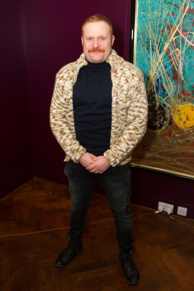 <p>Simon Holland Roberts (Le Tremouille/page/gentlemam)</p><br />© Dan Wooller for WhatsOnStage