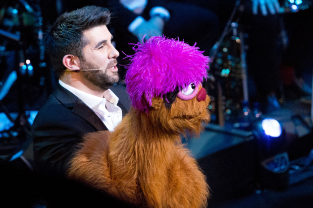 <p>Simon Lipkin (and Trekkie Monster)</p><br />© Peter Gibbons