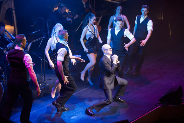 <p>Steve Furst performing his opening number</p><br />© Peter Gibbons