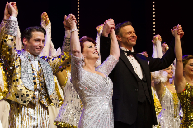<p>Stuart Neal (Billy Lawlor), Sheena Easton (Dorothy Brock) and Tom Lister (Julian Marsh) during the curtain call</p><br />© Dan Wooller