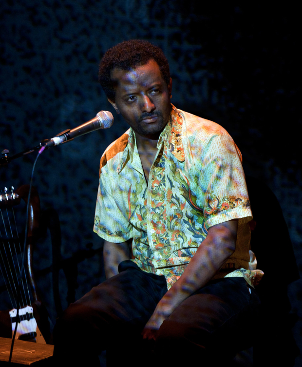 <p>Temesgen Zeleke in <em>The Emperor</em> at the Young Vic</p><br />© Simon Annand