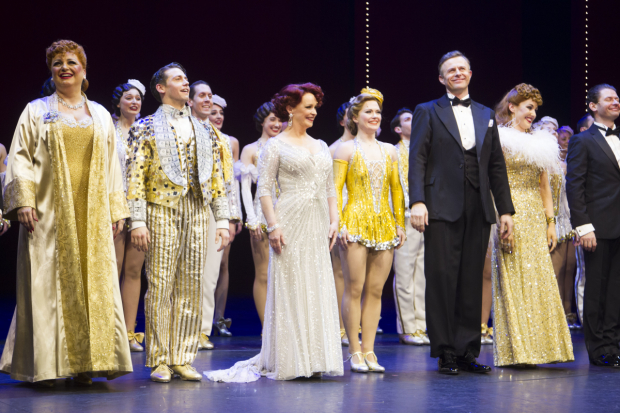 <p>The cast of <em>42nd Street</em> at the curtain call</p><br />© Dan Wooller