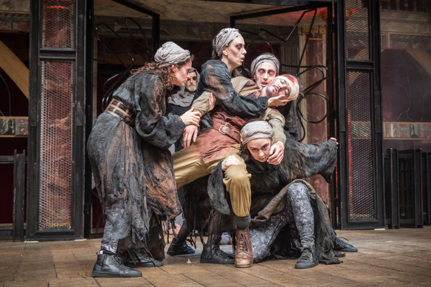 <p>The cast of <em>Macbeth</em> at Shakespeare&#39&#x3B;s Globe</p><br />© Marc Brenner