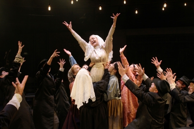 <p>The company of <em>Fiddler on the Roof</em></p><br />© Stephen Vaughan