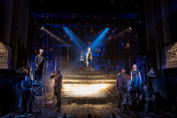 <p>The company of <em>Peter and the Starcatcher</em></p><br />© Manuel Harlan