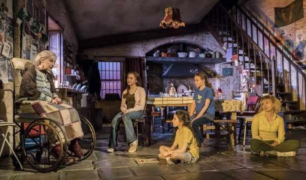 <p>The current cast of <em>The Ferryman</em></p><br />© Johan Persson