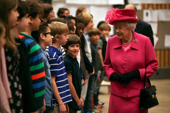 <p>The Queen and the Duke of Edinburgh meet cast members from <em>Emil and the Detectives</em></p>
