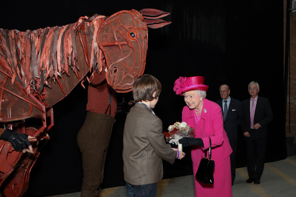 <p>The Queen and The Duke of Edinburgh meet Joey, the horse puppet from <em>War Horse</em></p>