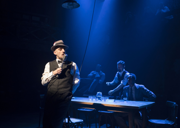 <p>Tom Edden (Ragg) in <em>The Resistible Rise of Arturo Ui</em></p><br />© Helen Maybanks