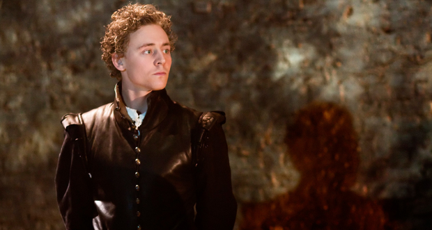 <p>Tom Hiddleston as Cassio in <em>Othello</em> at the Donmar Warehouse</p><br />© Johan Persson