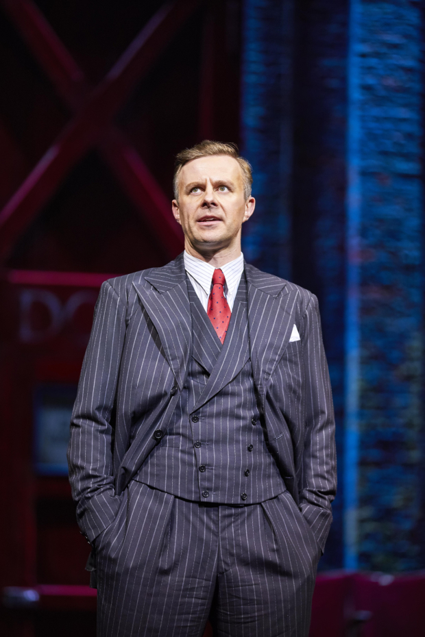 <p>Tom Lister in <em>42nd Street</em></p><br />© Brinkhoff/Moegenburg