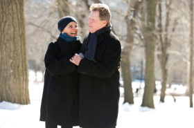 Ali MacGraw and Ryan O'Neal to star in Love Letters