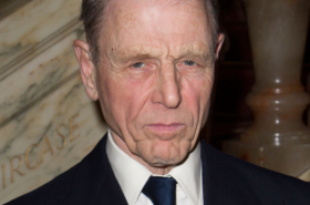 Edward Fox to star in Sand in the Sandwiches in the West End