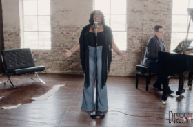 "Amber Riley performs ""I Am Changing"" from Dreamgirls"