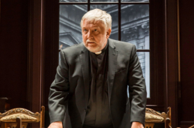 Simon Russell Beale stars in Donmar's Temple