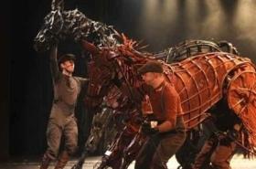 War Horse to return to the National Theatre to mark Armistice Day centenary year