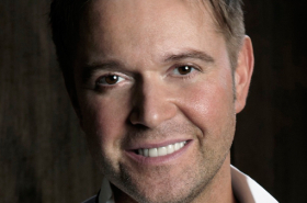 Darren Day joins Priscilla tour