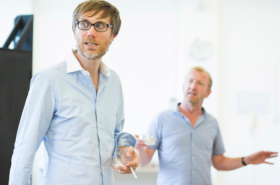 Rehearsal Pictures: Stephen Merchant and Steffan Rhodri prepare for The Mentalists