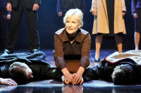 Lyn Paul to continue to tour in Blood Brothers for 30th anniversary