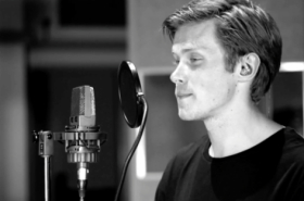"Exclusive: Rob Houchen performs ""Warning Signs"""