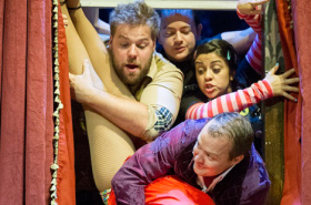 The Play That Goes Wrong to tour UK