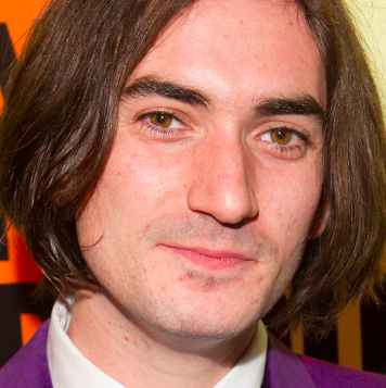 George Maguire to star in new UK tour of <em>20th Century Boy</em>