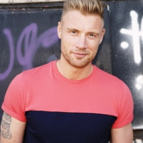 Andrew Flintoff to make stage debut in <em>Fat Friends the Musical</em>