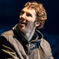 Hamlet (Barbican) - 'Benedict Cumberbatch rings the changes'