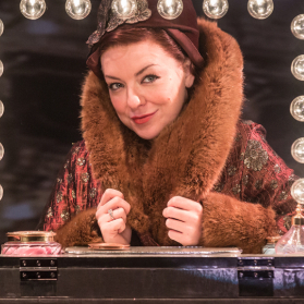 <em>Funny Girl</em> performance cancelled 'after 15 minutes'