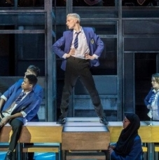 Everybody's Talking About Jamie transfers to the West End