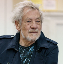 Exclusive: First look at Ian McKellen and cast in rehearsals for <em>King Lear</em>