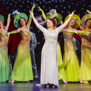 First look at Sheena Easton and cast in <em>42nd Street</em>