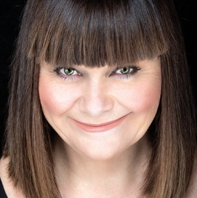 New dates announced for Dawn French's <em>30 Million Minutes</em>