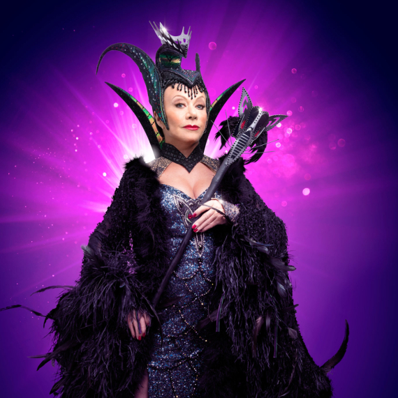 First look at Elaine Paige and cast of <em>Dick Whittington</em>