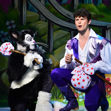 Were the critics satisfied with <em>Dick Whittington</em>?