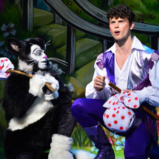 First look at Elaine Paige, Julian Clary and the cast of <em>Dick Whittington</em> at the London Palladium